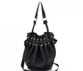 Black shoulder bag rivet punk